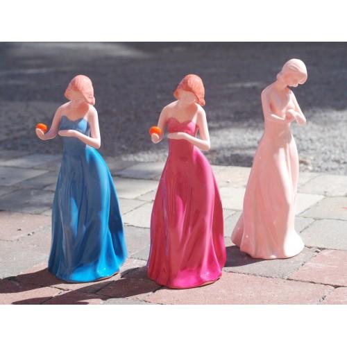 Girl with orange - Innocent (pink porcelain)