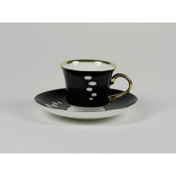 Dalia cup in black with gold