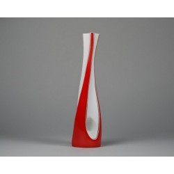 Twisted vase - red