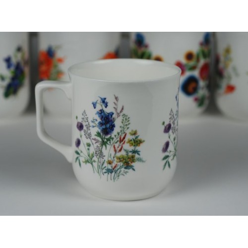 Cmielow mug - decoration wild flowers with campanula