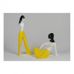 Dziewczyna siedząca i Dziewczyna w spodniach (dek. żółta)