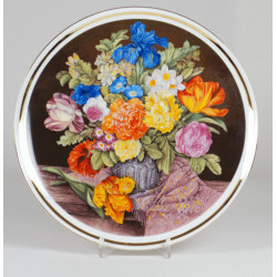"Decorative plate ""bouquet of flowers with a purple shawl"""