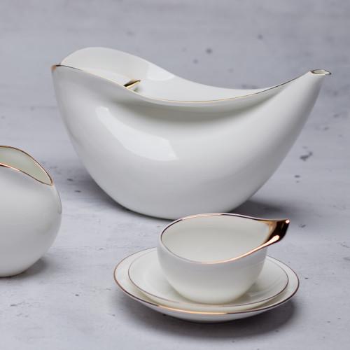 Ina coffee pot