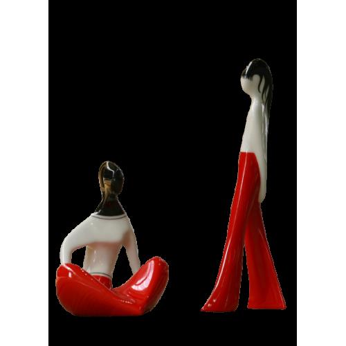 Dziewczyna siedząca i Dziewczyna w spodniach (dek. czerwona)